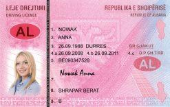 Kolekcjonerskie prawo jazdy z Albanii jest wspaniałą pamiątką dla miłośników podróżowania po krajach bałkańskich.
