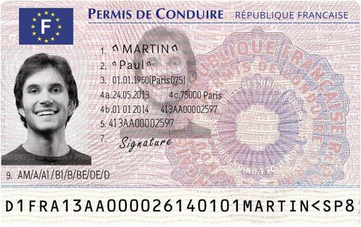 Kolekcjonerskie prawo jazdy z Francji to wspaniała pamiątka dla turysty wracającego z kraju słynącego z wina i dzielnicy czerwonych latarni.